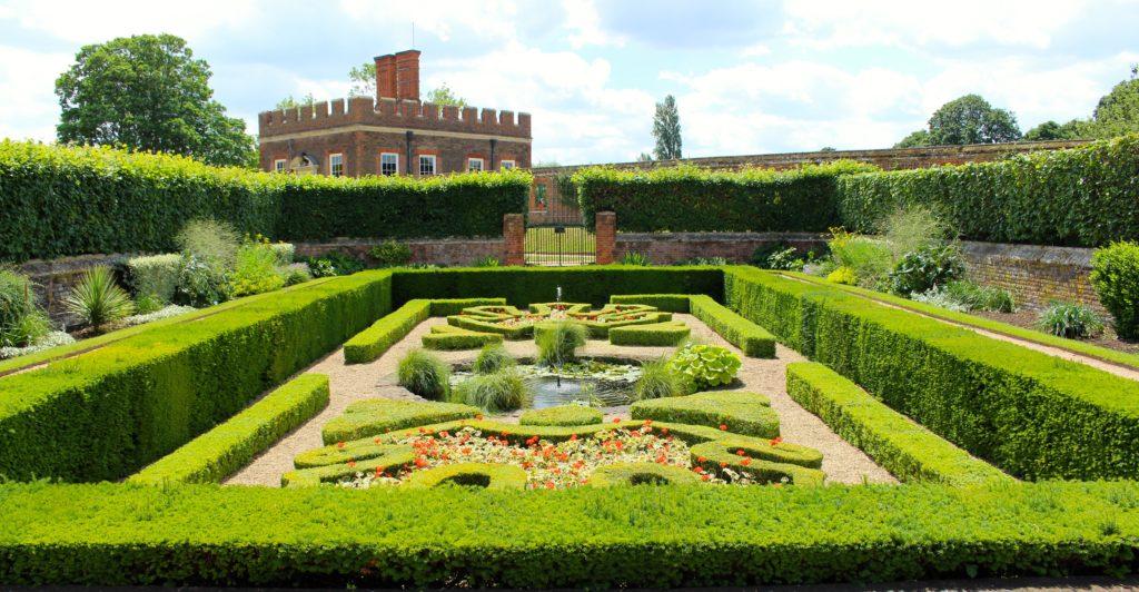Hampton Court Palace Gardens - Landscape NotesLandscape Notes